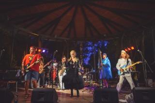 Mastix - hudební vystoupení v Jiráskových sadech