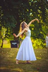 Taneční vystoupení během Svátku vína na soutoku